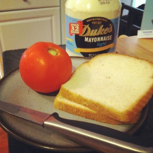 Classic Tomato Sandwich ingredients